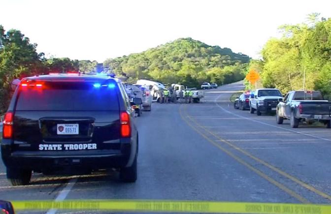 13 muertos y dos heridos tras un accidente vial en Texas, que involucró a un autobús de una iglesia que transportaba Personas de la Tercera edad..