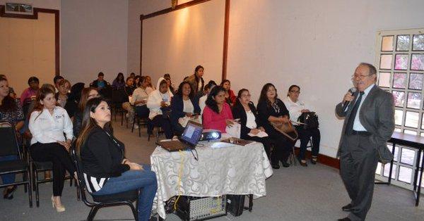 Imparten conferencia a padres de familia en el mes de la Educación Especial