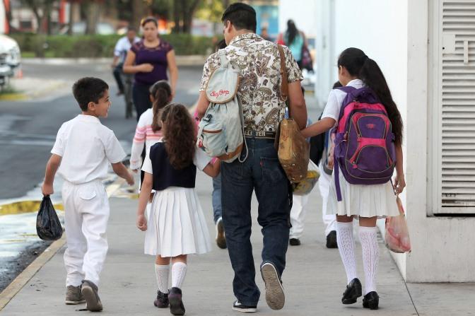 25.7 millones de estudiantes de todo el país y un millón 211 mil maestros de Educación Básica, regresan a clases