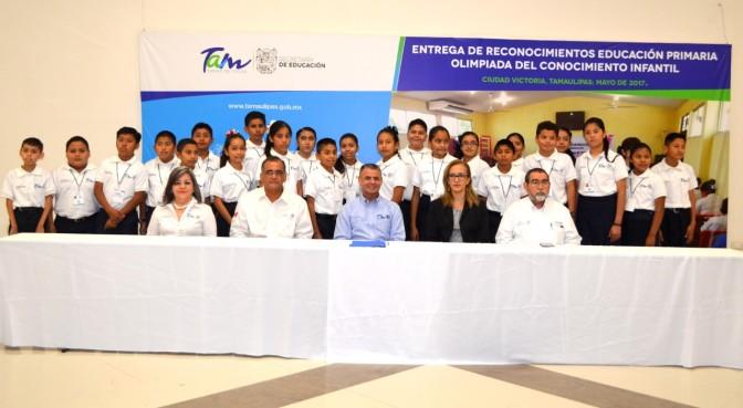 Alumnos de Primaria y Secundaria presentan Examen de Selección del Concurso Olimpiada del Conocimiento Infantil