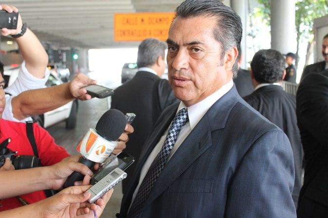 """""""El Bronco"""" anuncia que el general Antúnez deja la SSP de NL"""