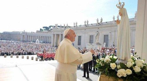 Viaja el Papa a Fátima a 100 años de las apariciones de la Virgen