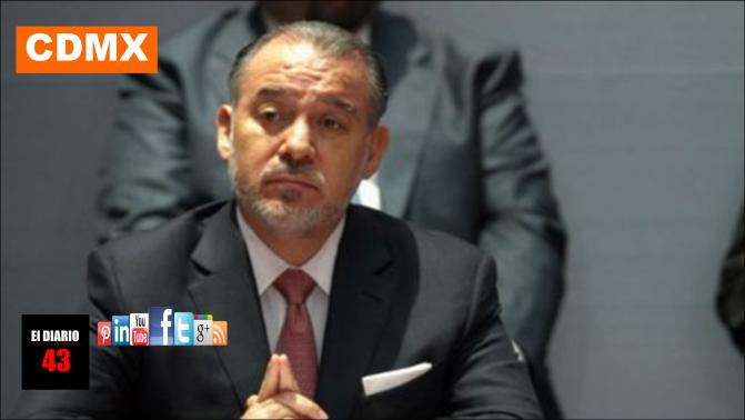 Cervantes presenta su renuncia a la PGR