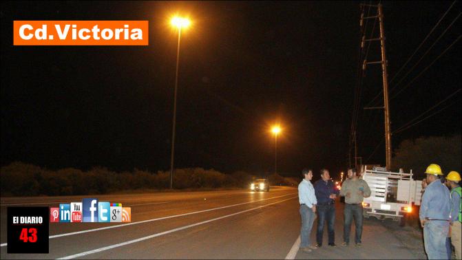 """""""En 15 Colonias y 27 avenidas y bulevares se instalan luces led's"""": Oscar Almaraz"""