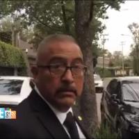 Guaruras de Adela Micha se sienten con privilegios y se estacionan en la banqueta (VÍDEO)