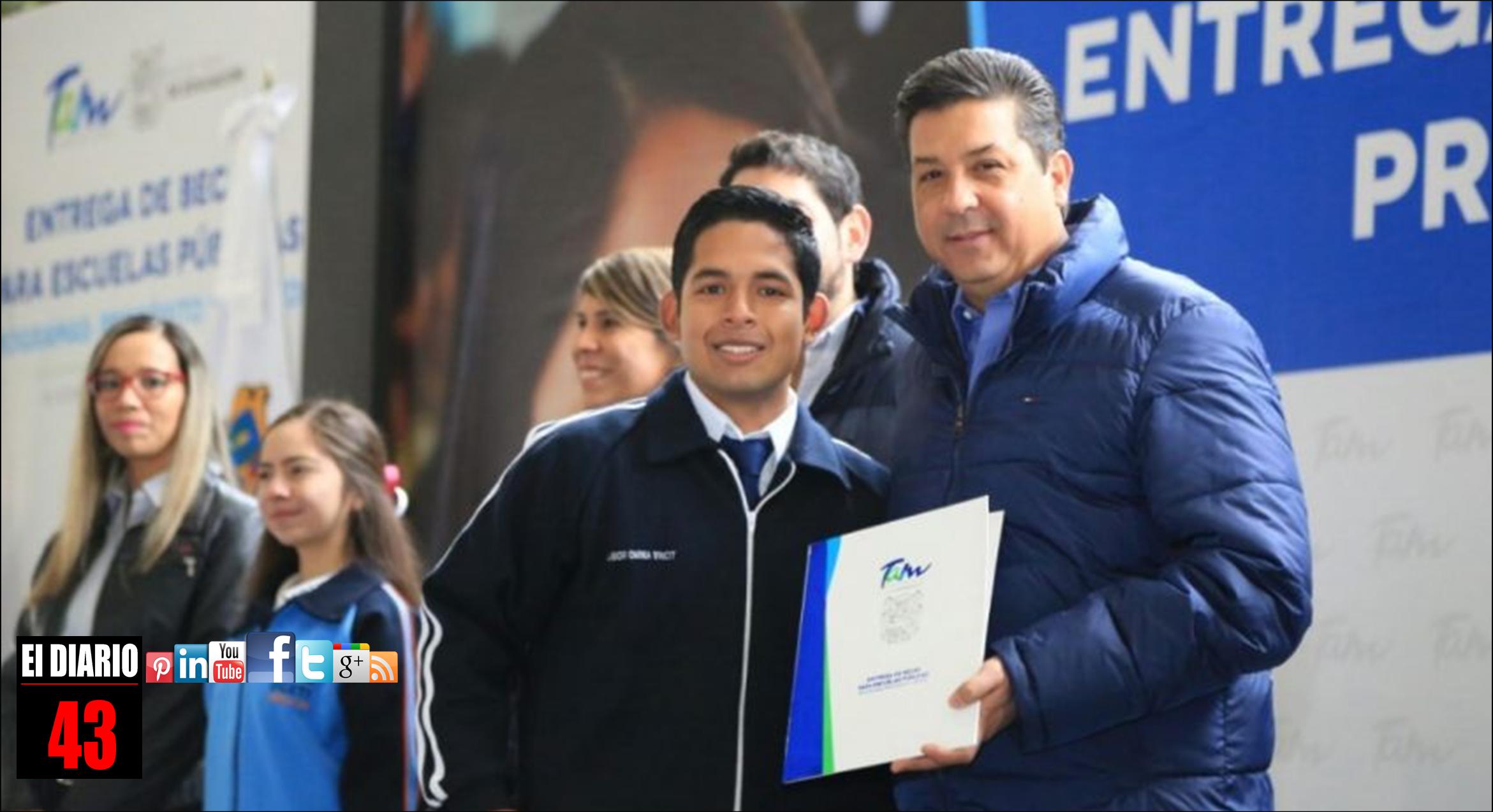 ENTREGA EL GOBERNADOR BECAS PARA ESCUELAS PÚBLICAS DE LOS PROGRAMAS PROPÓSITO Y VIRTUD