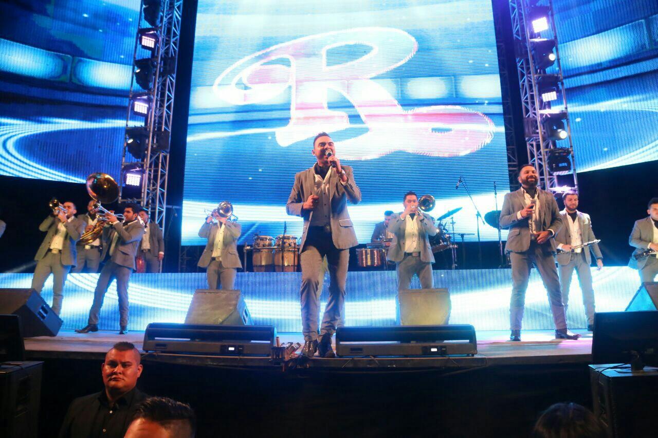 Disfrutan más de 13 mil personas la Banda El Recodo