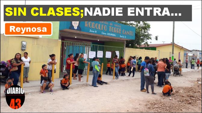 Por presunto fraude padres de familia bloquean Escuela en Reynosa