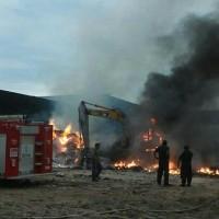 Arde Maquiladora en Reynosa