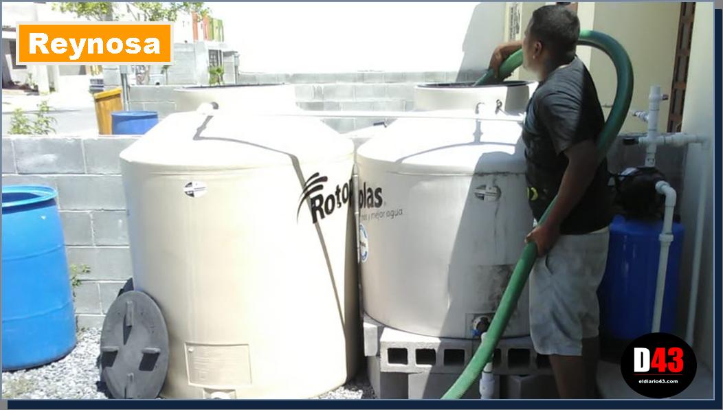 Familias reciben pipas con agua potable