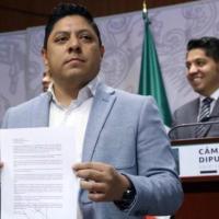 Ricardo Gallardo renuncia a coordinación del PRD en la Cámara Baja y a militancia