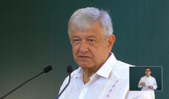 """AMLO anuncia visita a Minatitlán tras la masacre: """"Lamento mucho lo que sucedió"""""""