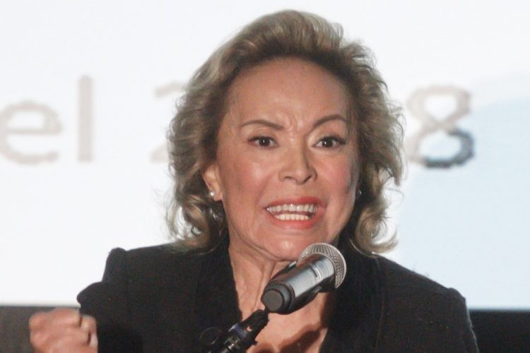 FGR devolvió cuentas y bienes confiscados a Elba Esther Gordillo…