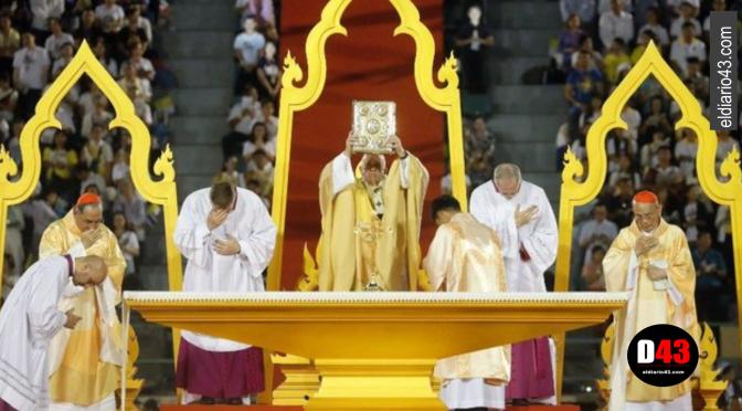 Papa denuncia en Bangkok el flagelo de la prostitución de niños y mujeres