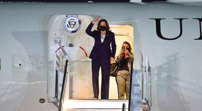 Llegó a México Kamala Harris, vicepresidenta de Estados Unidos; se reunirá con AMLO